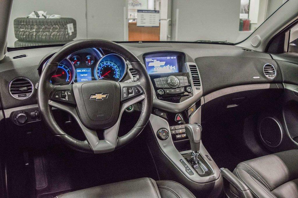 2016 Chevrolet Cruze 2LT ** CUIR ** TOIT ** CAMERA ** in Dollard-des-Ormeaux, Quebec - 10 - w1024h768px