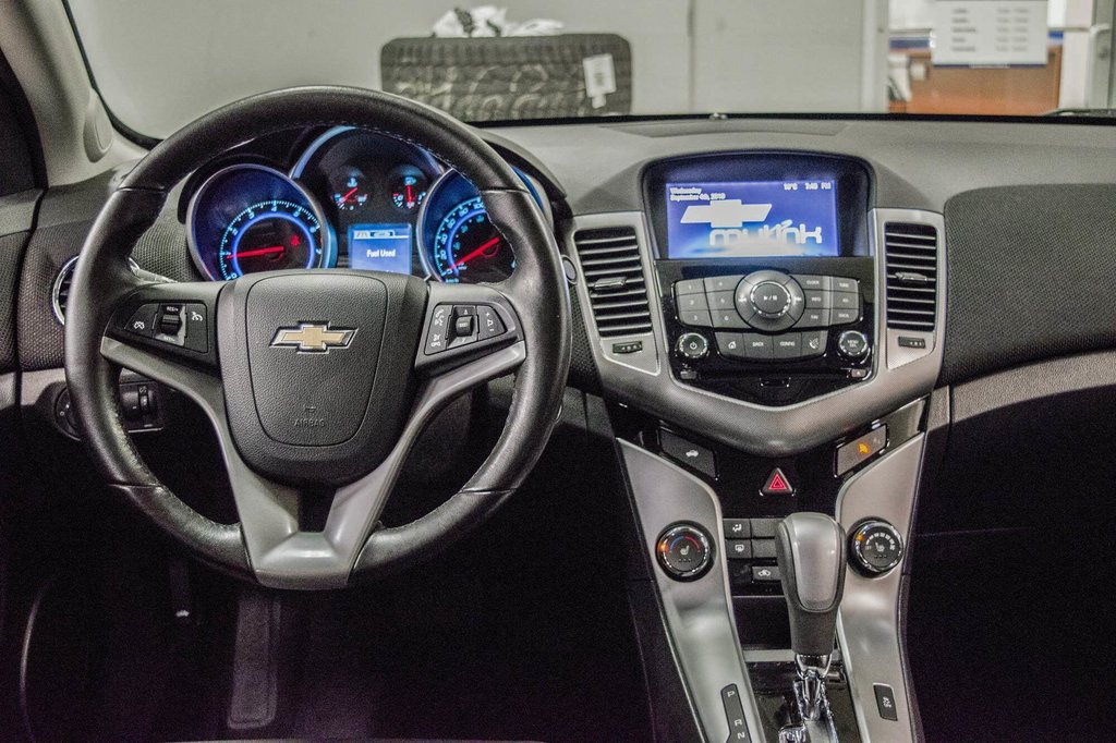 2016 Chevrolet Cruze 2LT ** CUIR ** TOIT ** CAMERA ** in Dollard-des-Ormeaux, Quebec - 11 - w1024h768px