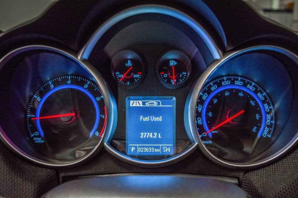 2016 Chevrolet Cruze 2LT ** CUIR ** TOIT ** CAMERA ** in Dollard-des-Ormeaux, Quebec - 20 - w1024h768px