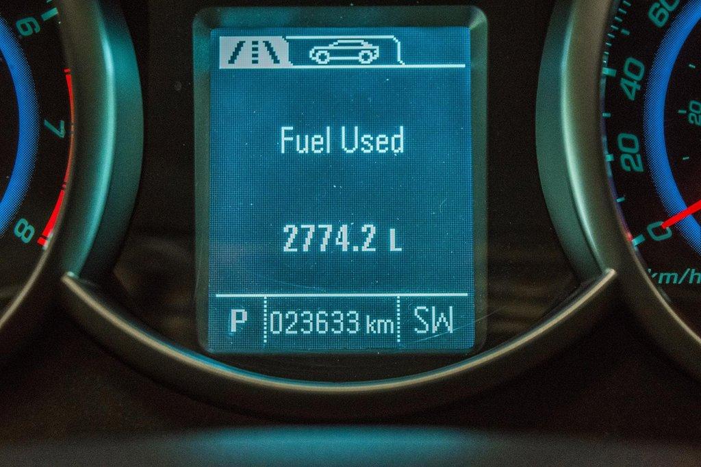 2016 Chevrolet Cruze 2LT ** CUIR ** TOIT ** CAMERA ** in Dollard-des-Ormeaux, Quebec - 21 - w1024h768px