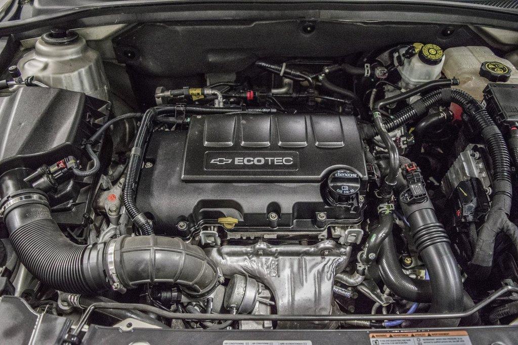 2016 Chevrolet Cruze 2LT ** CUIR ** TOIT ** CAMERA ** in Dollard-des-Ormeaux, Quebec - 22 - w1024h768px