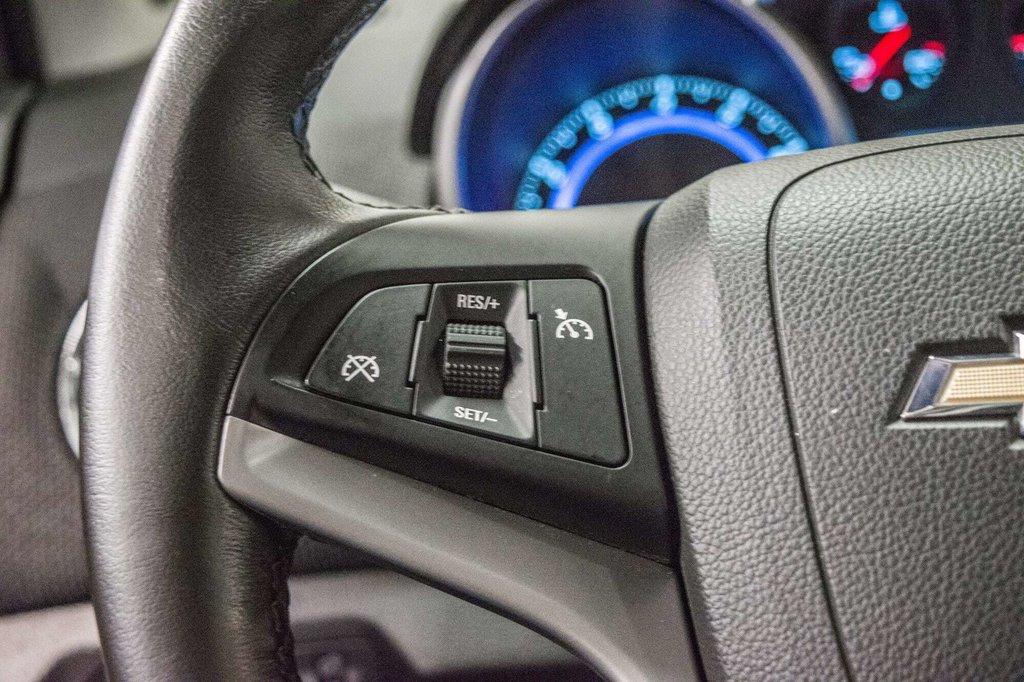 2016 Chevrolet Cruze 2LT ** CUIR ** TOIT ** CAMERA ** in Dollard-des-Ormeaux, Quebec - 15 - w1024h768px