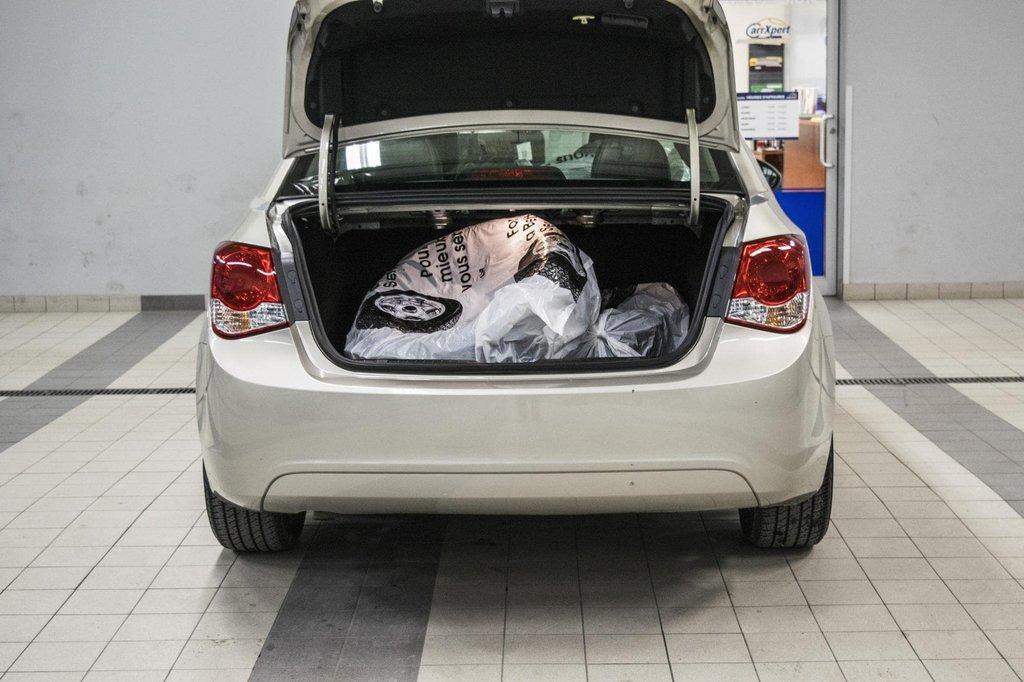 2016 Chevrolet Cruze 2LT ** CUIR ** TOIT ** CAMERA ** in Dollard-des-Ormeaux, Quebec - 33 - w1024h768px