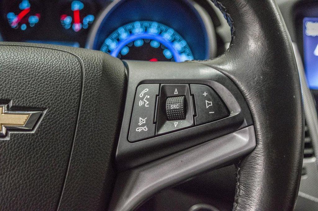 2016 Chevrolet Cruze 2LT ** CUIR ** TOIT ** CAMERA ** in Dollard-des-Ormeaux, Quebec - 16 - w1024h768px