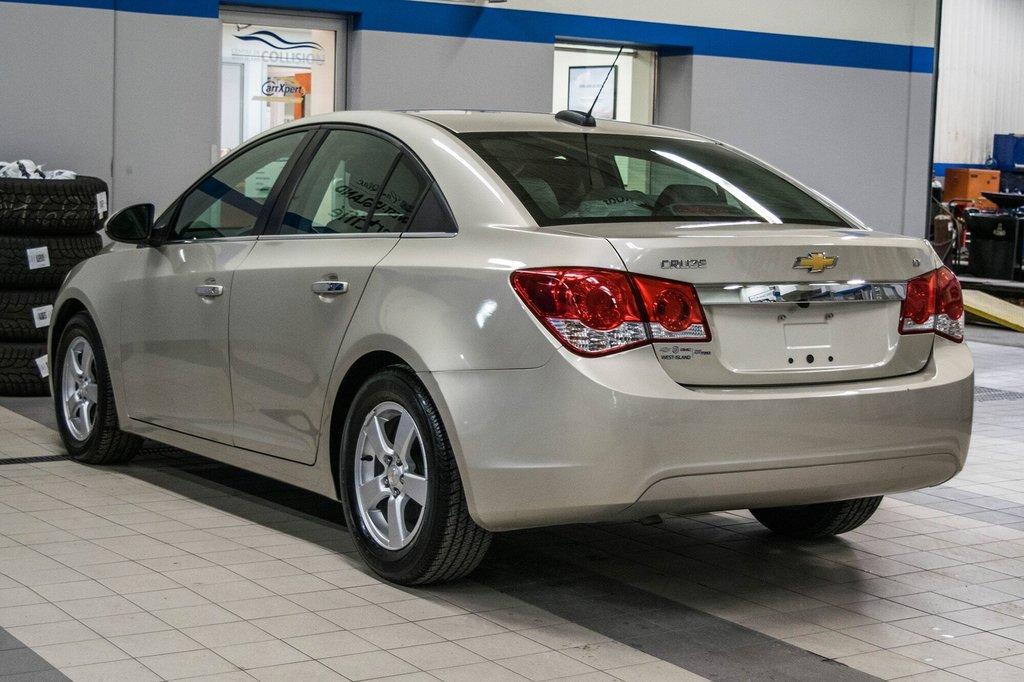 2016 Chevrolet Cruze 2LT ** CUIR ** TOIT ** CAMERA ** in Dollard-des-Ormeaux, Quebec - 6 - w1024h768px