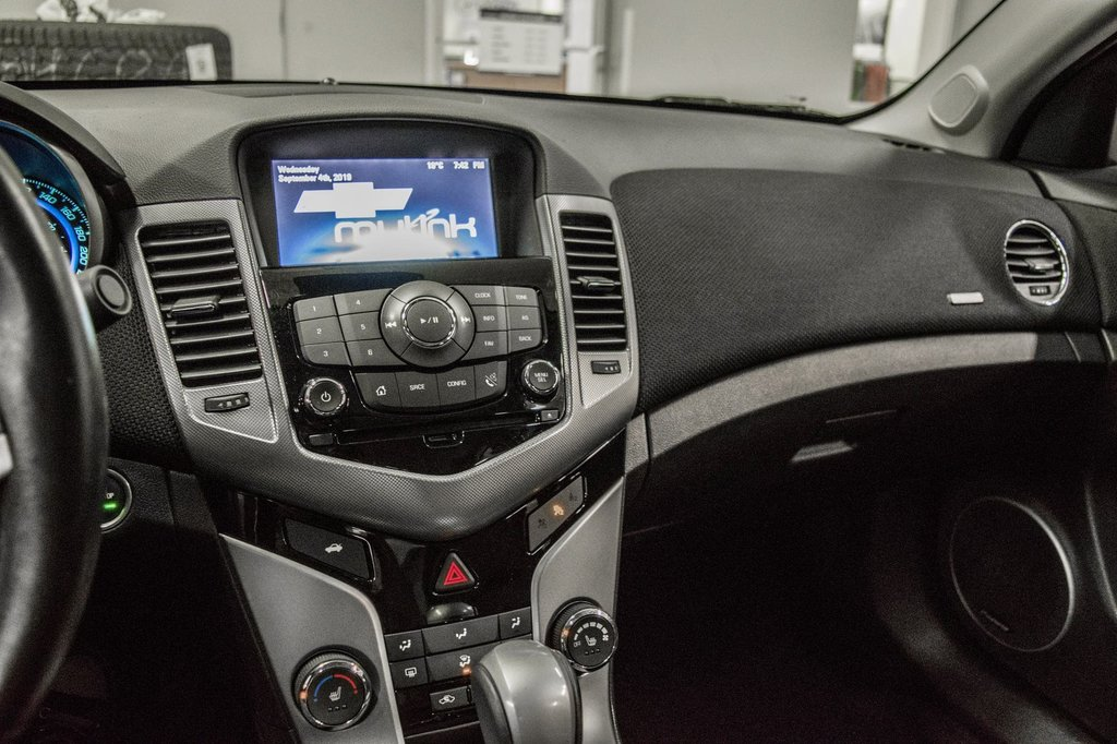 2016 Chevrolet Cruze 2LT ** CUIR ** TOIT ** CAMERA ** in Dollard-des-Ormeaux, Quebec - 18 - w1024h768px