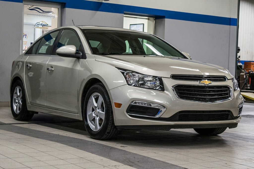 2016 Chevrolet Cruze 2LT ** CUIR ** TOIT ** CAMERA ** in Dollard-des-Ormeaux, Quebec - 4 - w1024h768px