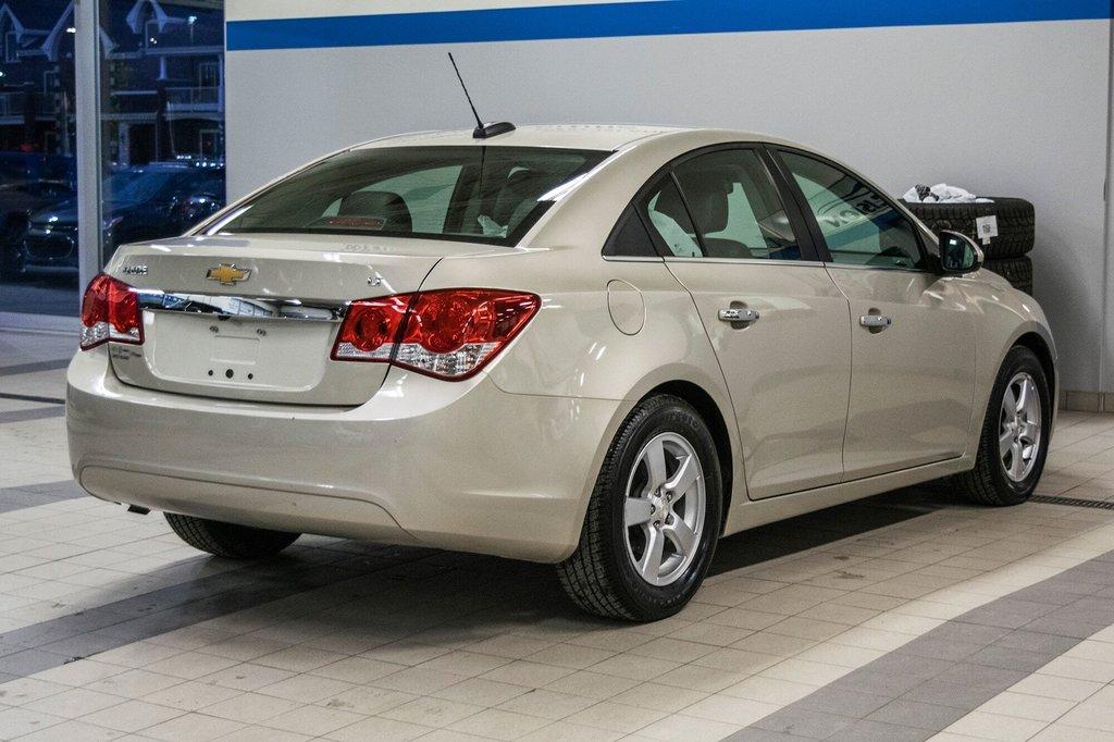 2016 Chevrolet Cruze 2LT ** CUIR ** TOIT ** CAMERA ** in Dollard-des-Ormeaux, Quebec - 9 - w1024h768px