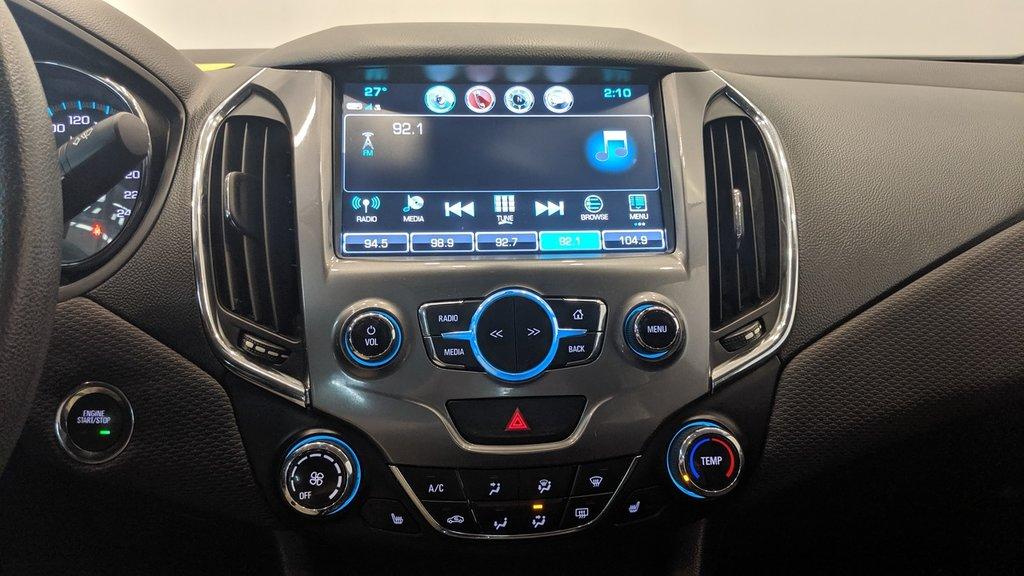 2017 Chevrolet Cruze LT - 6AT in Regina, Saskatchewan - 8 - w1024h768px