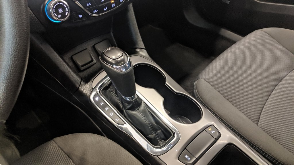 2017 Chevrolet Cruze LT - 6AT in Regina, Saskatchewan - 4 - w1024h768px
