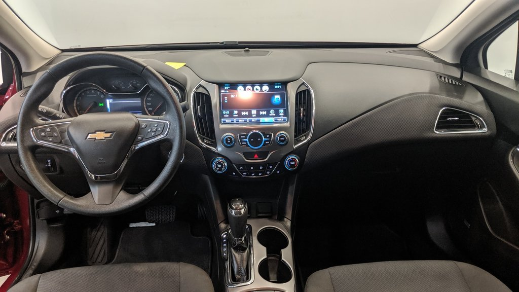 2017 Chevrolet Cruze LT - 6AT in Regina, Saskatchewan - 16 - w1024h768px