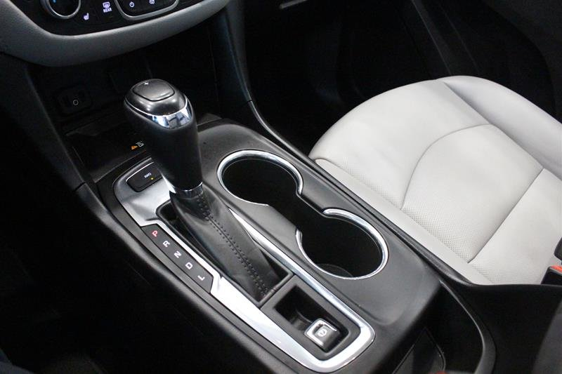 2018 Chevrolet Equinox AWD Premier in Regina, Saskatchewan - 4 - w1024h768px
