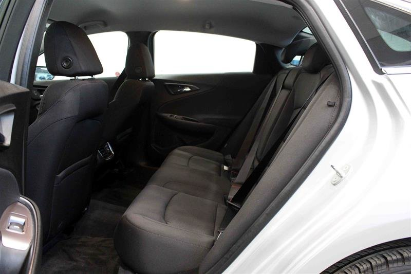 2018 Chevrolet Malibu LT in Regina, Saskatchewan - 10 - w1024h768px