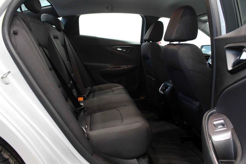 2018 Chevrolet Malibu LT in Regina, Saskatchewan - 14 - w1024h768px