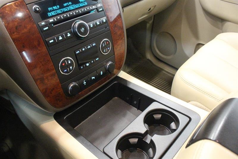 2012 Chevrolet Silverado 1500 LTZ Crew Cab Short Box 4WD 1SD in Regina, Saskatchewan - 4 - w1024h768px