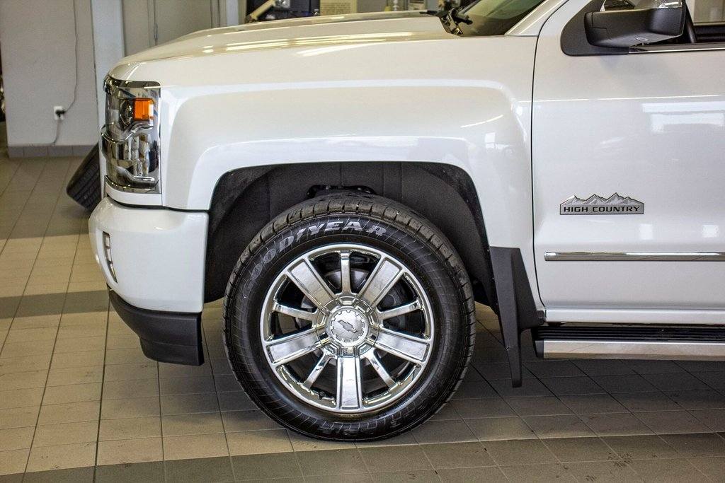 2016 Chevrolet Silverado 1500 High Country **CUIR ** TOIT ** GPS **CAMERA ** in Dollard-des-Ormeaux, Quebec - 39 - w1024h768px