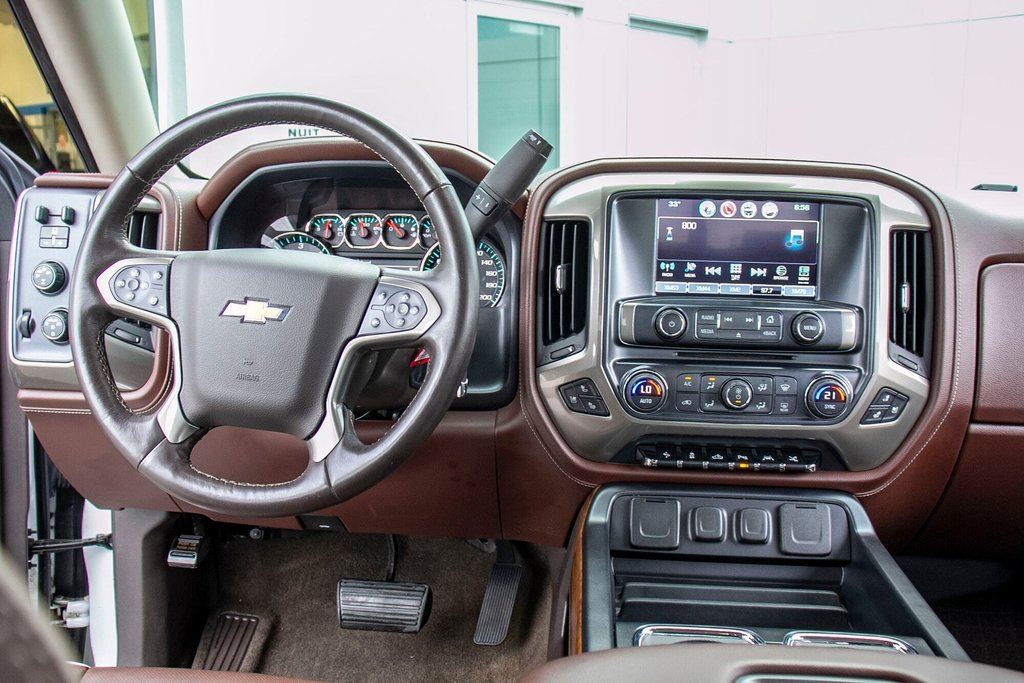 2016 Chevrolet Silverado 1500 High Country **CUIR ** TOIT ** GPS **CAMERA ** in Dollard-des-Ormeaux, Quebec - 13 - w1024h768px