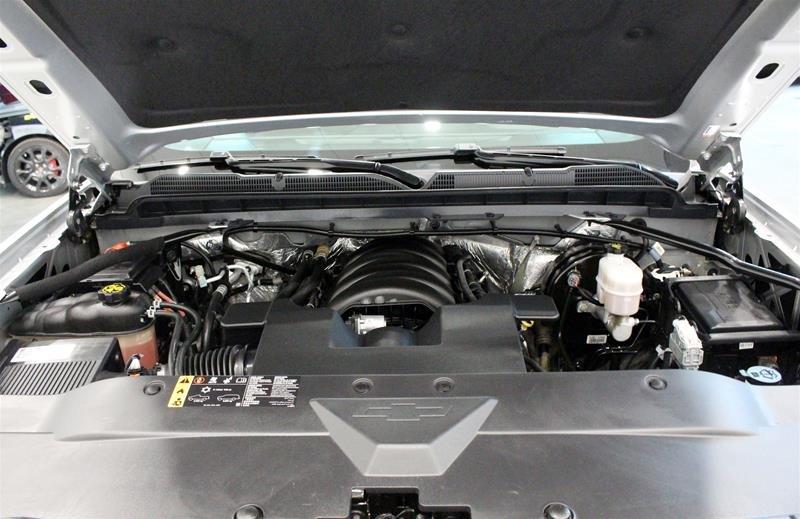 2017 Chevrolet Silverado 1500 Crew 4x4 LT / Short Box in Regina, Saskatchewan - 14 - w1024h768px