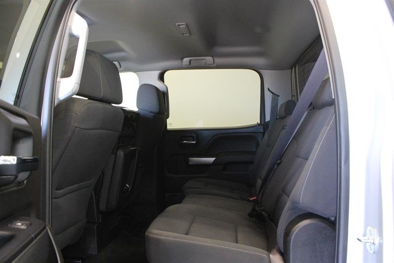 2017 Chevrolet Silverado 1500 Crew 4x4 LT / Short Box in Regina, Saskatchewan - 10 - w1024h768px