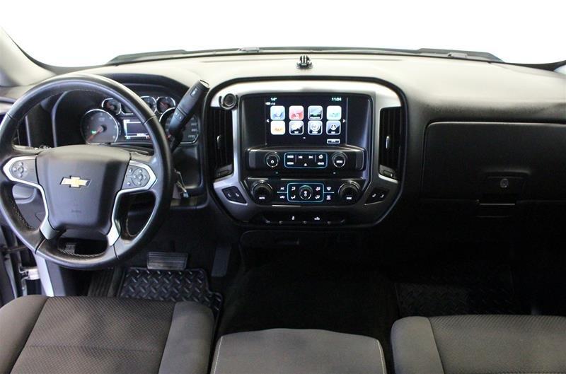 2017 Chevrolet Silverado 1500 Crew 4x4 LT / Short Box in Regina, Saskatchewan - 11 - w1024h768px
