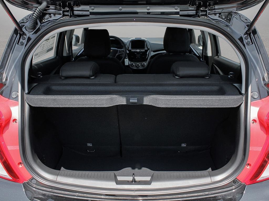2019 Chevrolet Spark LT in Dollard-des-Ormeaux, Quebec - 7 - w1024h768px