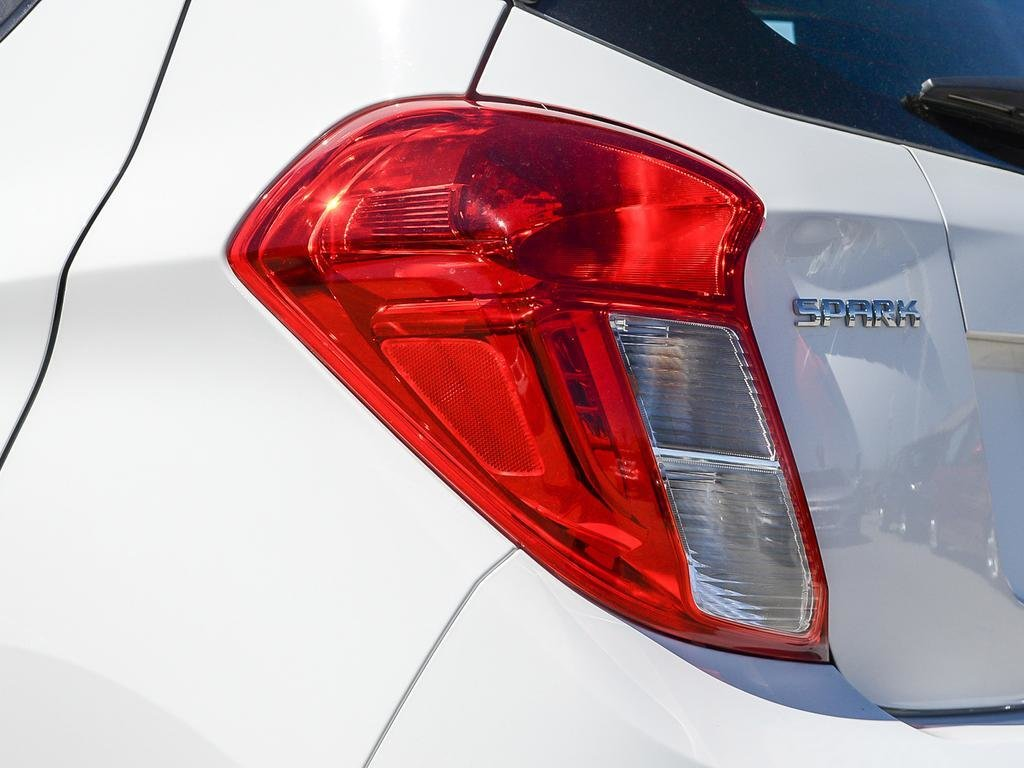 2019 Chevrolet Spark LT in Dollard-des-Ormeaux, Quebec - 11 - w1024h768px