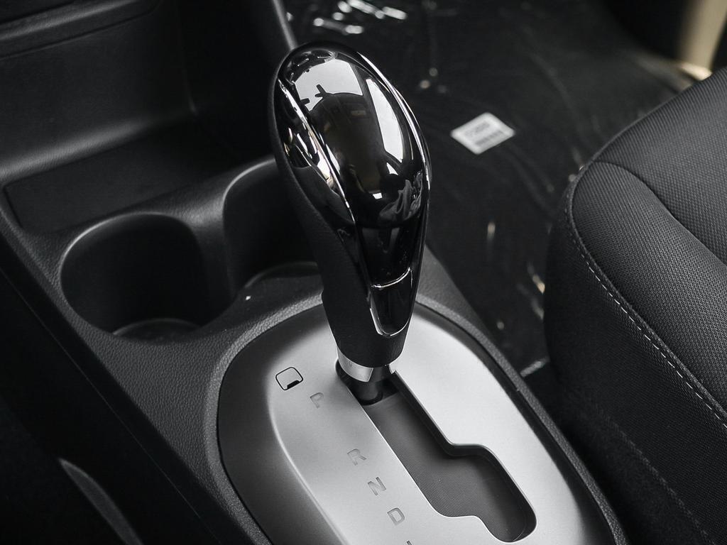 2019 Chevrolet Spark LT in Dollard-des-Ormeaux, Quebec - 17 - w1024h768px