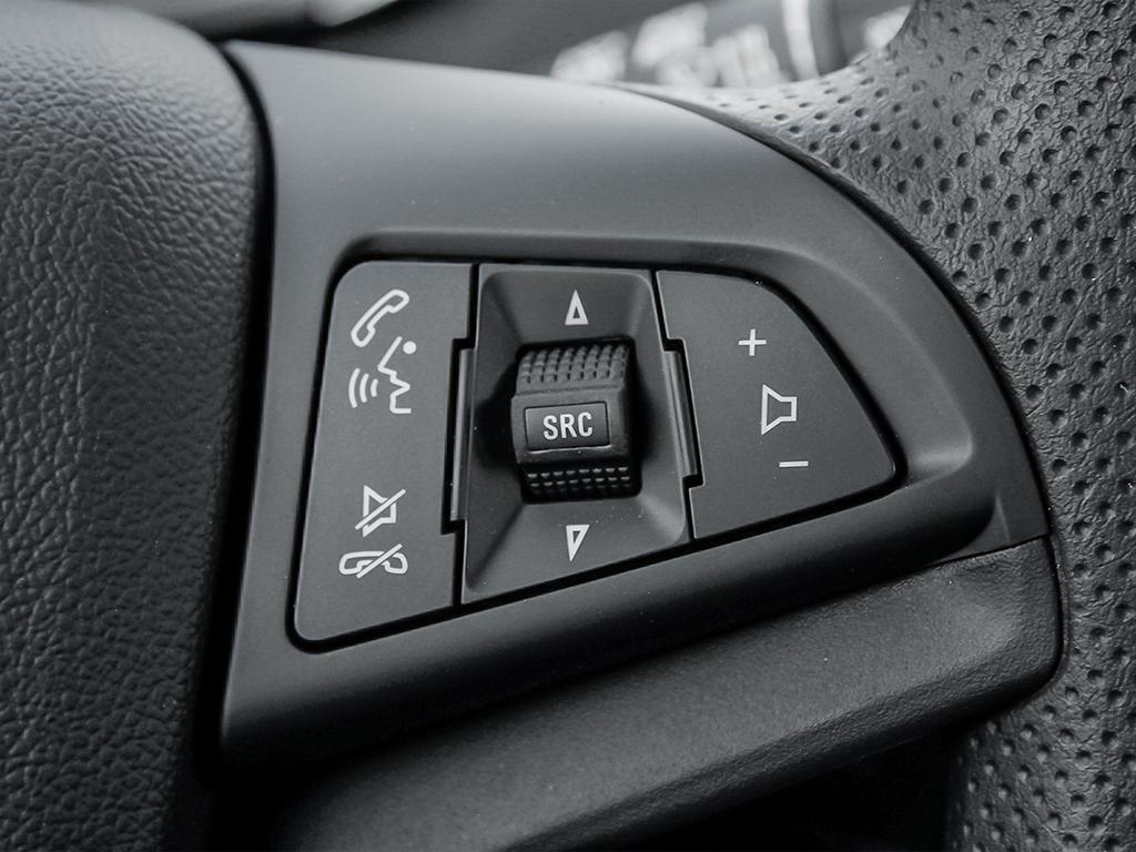 2019 Chevrolet Trax LS in Dollard-des-Ormeaux, Quebec - 15 - w1024h768px