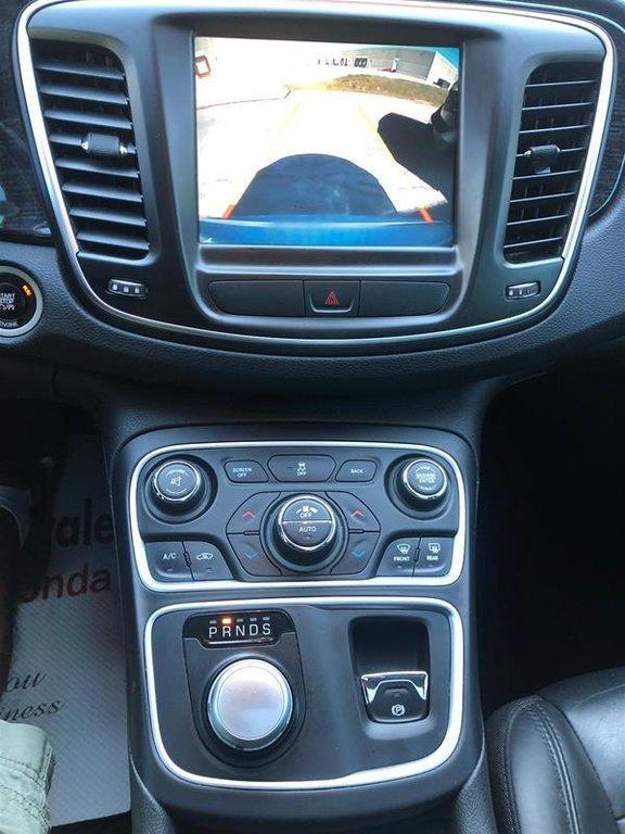 2015 Chrysler 200 C in Mississauga, Ontario - 24 - w1024h768px
