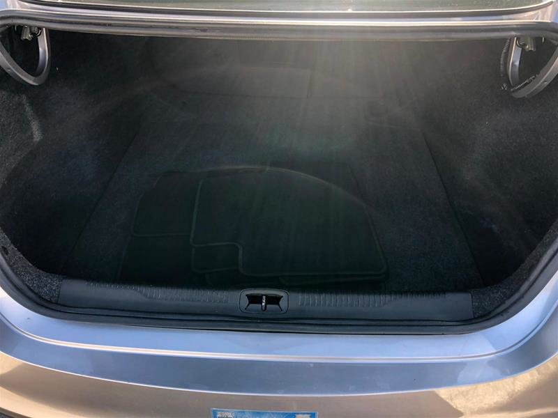 2015 Chrysler 200 C in Mississauga, Ontario - 13 - w1024h768px