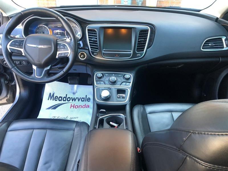 2015 Chrysler 200 C in Mississauga, Ontario - 7 - w1024h768px