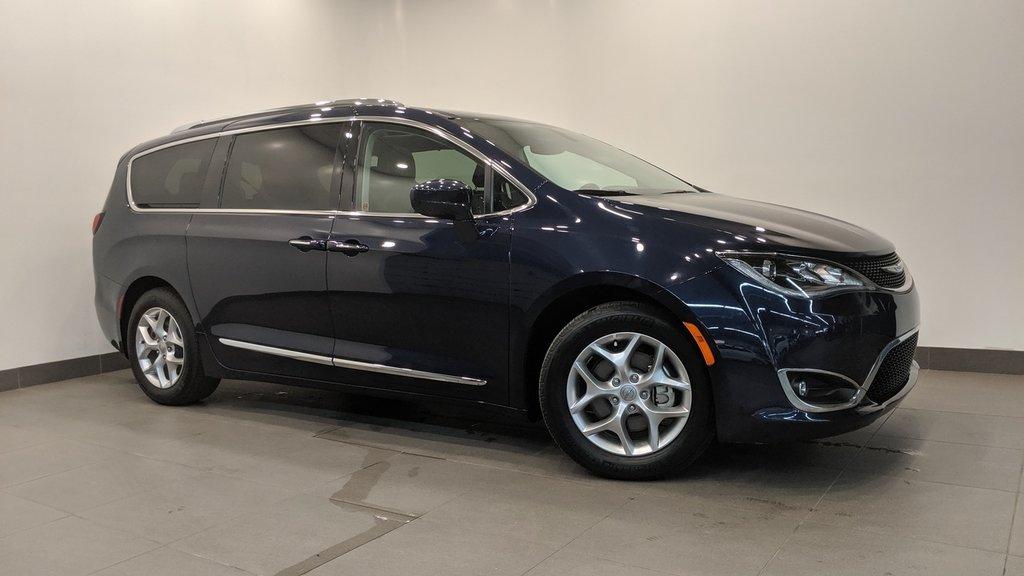 2018 Chrysler Pacifica Touring L in Regina, Saskatchewan - 1 - w1024h768px