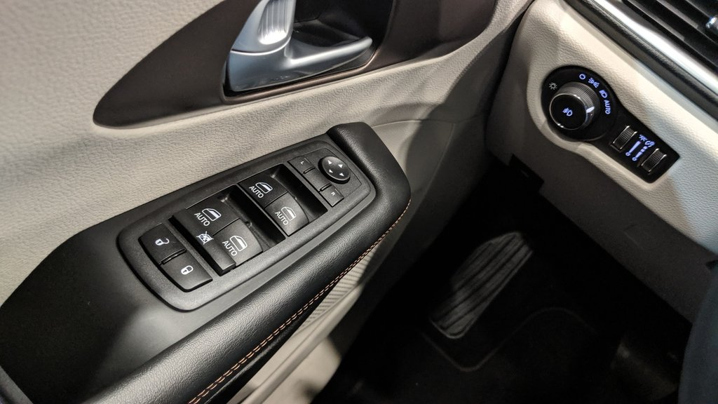 2018 Chrysler Pacifica Touring L in Regina, Saskatchewan - 3 - w1024h768px