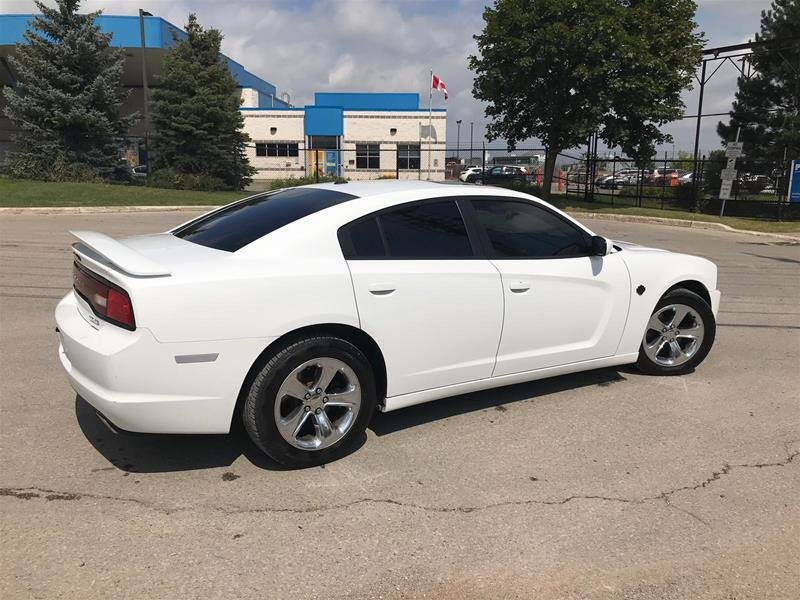 2012 Dodge Charger SXT Sedan in Mississauga, Ontario - 22 - w1024h768px