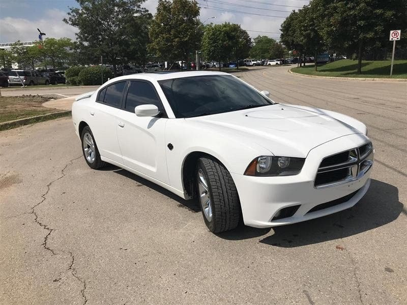 2012 Dodge Charger SXT Sedan in Mississauga, Ontario - 20 - w1024h768px