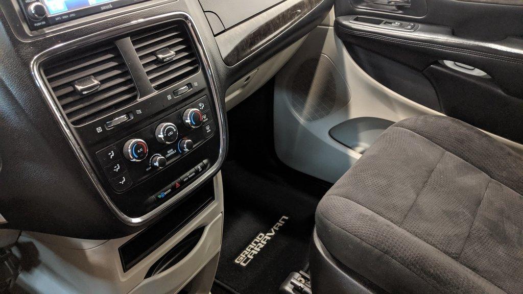 2011 Dodge Grand Caravan SXT Plus Sto N Go in Regina, Saskatchewan - 4 - w1024h768px