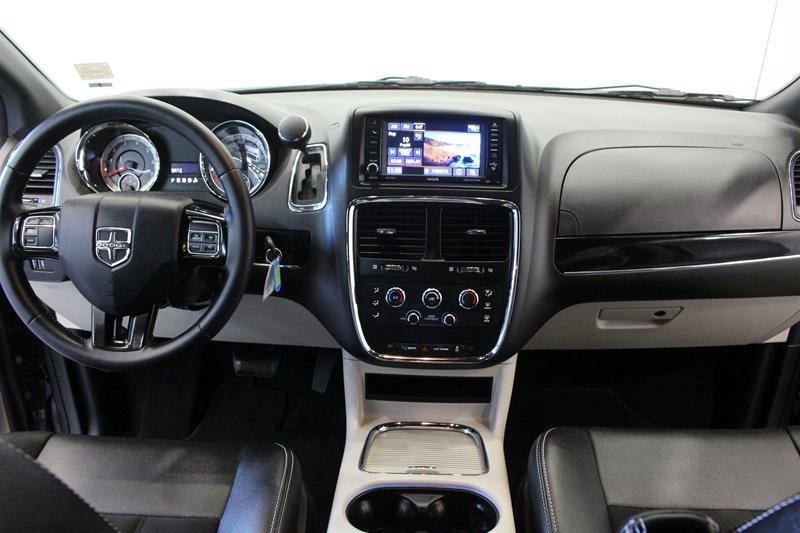 2019 Dodge Grand Caravan CVP / SXT in Regina, Saskatchewan - 14 - w1024h768px
