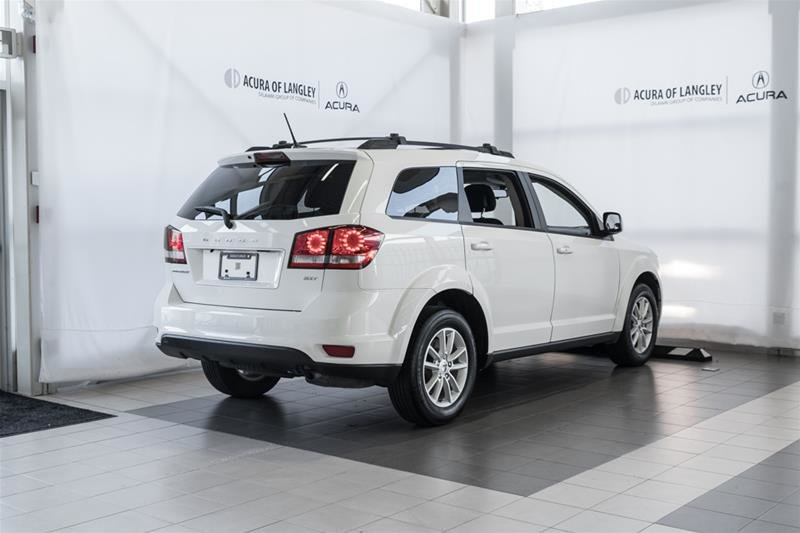2014 Dodge Journey SXT / Limited in Langley, British Columbia - 4 - w1024h768px