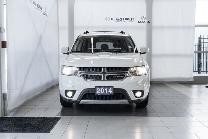2014 Dodge Journey SXT / Limited in Langley, British Columbia - 2 - w1024h768px