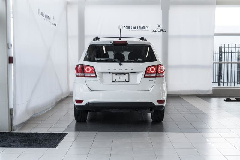 2014 Dodge Journey SXT / Limited in Langley, British Columbia - 21 - w1024h768px
