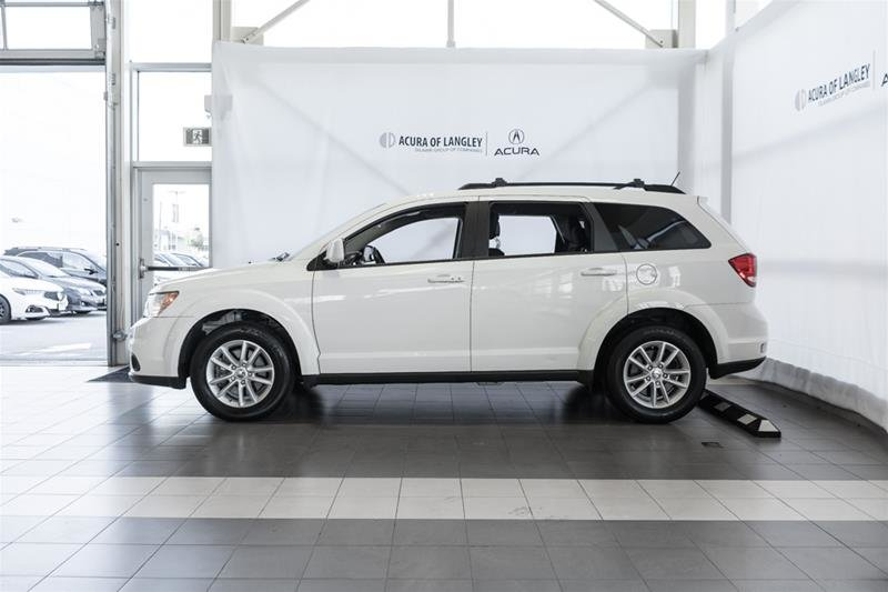 2014 Dodge Journey SXT / Limited in Langley, British Columbia - 7 - w1024h768px