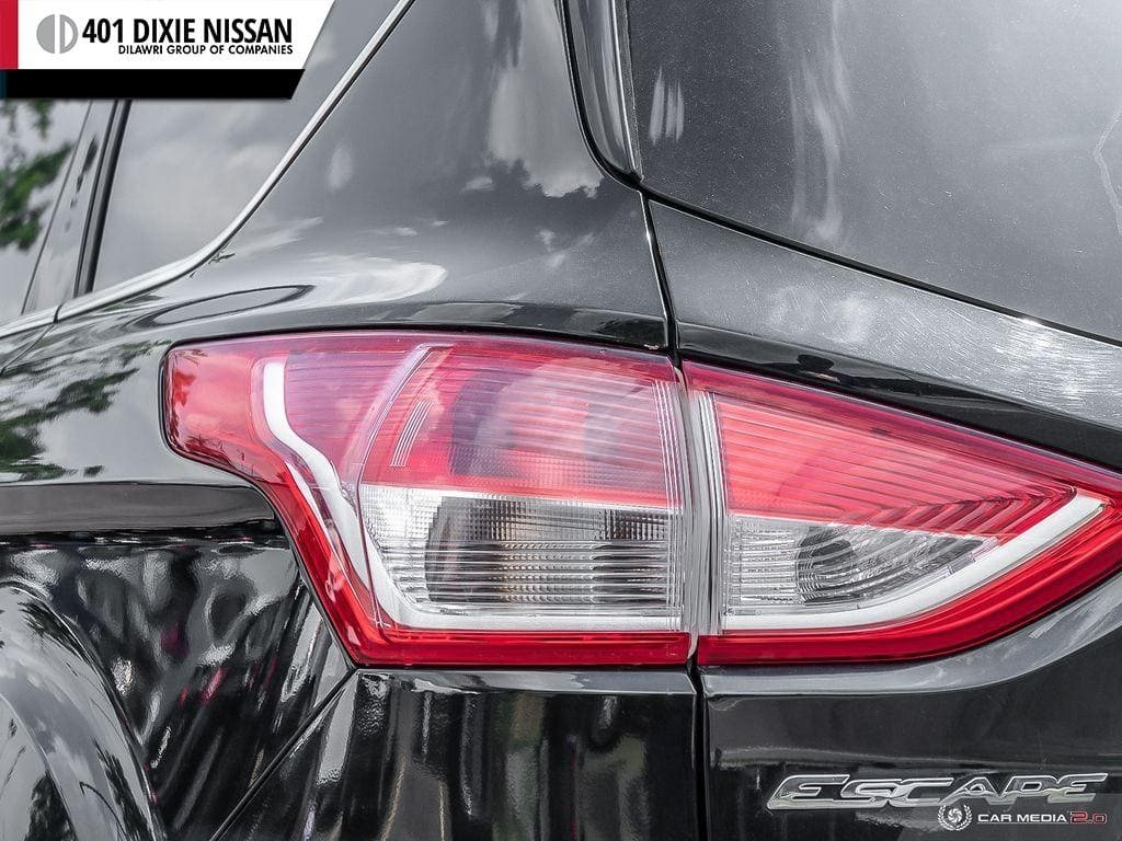 2013 Ford Escape SE FWD in Mississauga, Ontario - 12 - w1024h768px