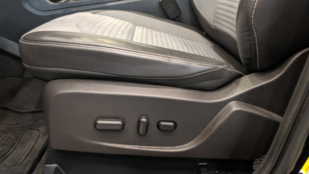 2017 Ford Escape Titanium - 4WD in Regina, Saskatchewan - 12 - w1024h768px