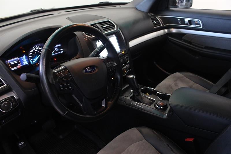 2017 Ford Explorer XLT - 4WD in Regina, Saskatchewan - 7 - w1024h768px