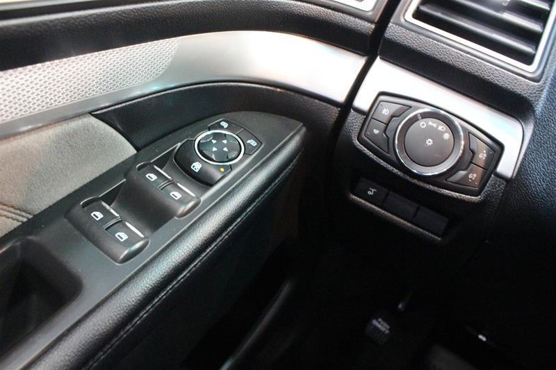 2017 Ford Explorer XLT - 4WD in Regina, Saskatchewan - 3 - w1024h768px