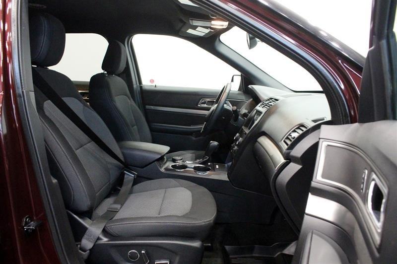 2018 Ford Explorer XLT - 4WD in Regina, Saskatchewan - 16 - w1024h768px