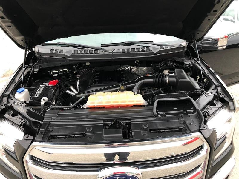2016 Ford F150 4x4 - Supercrew Lariat - 145 WB in Mississauga, Ontario - 4 - w1024h768px
