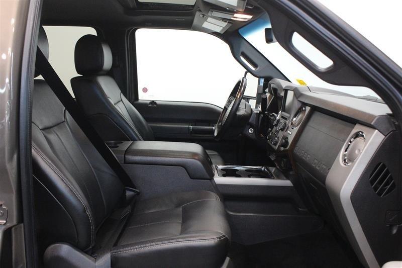 2016 Ford F350 4x4 - Crew Cab Lariat - SRW in Regina, Saskatchewan - 15 - w1024h768px