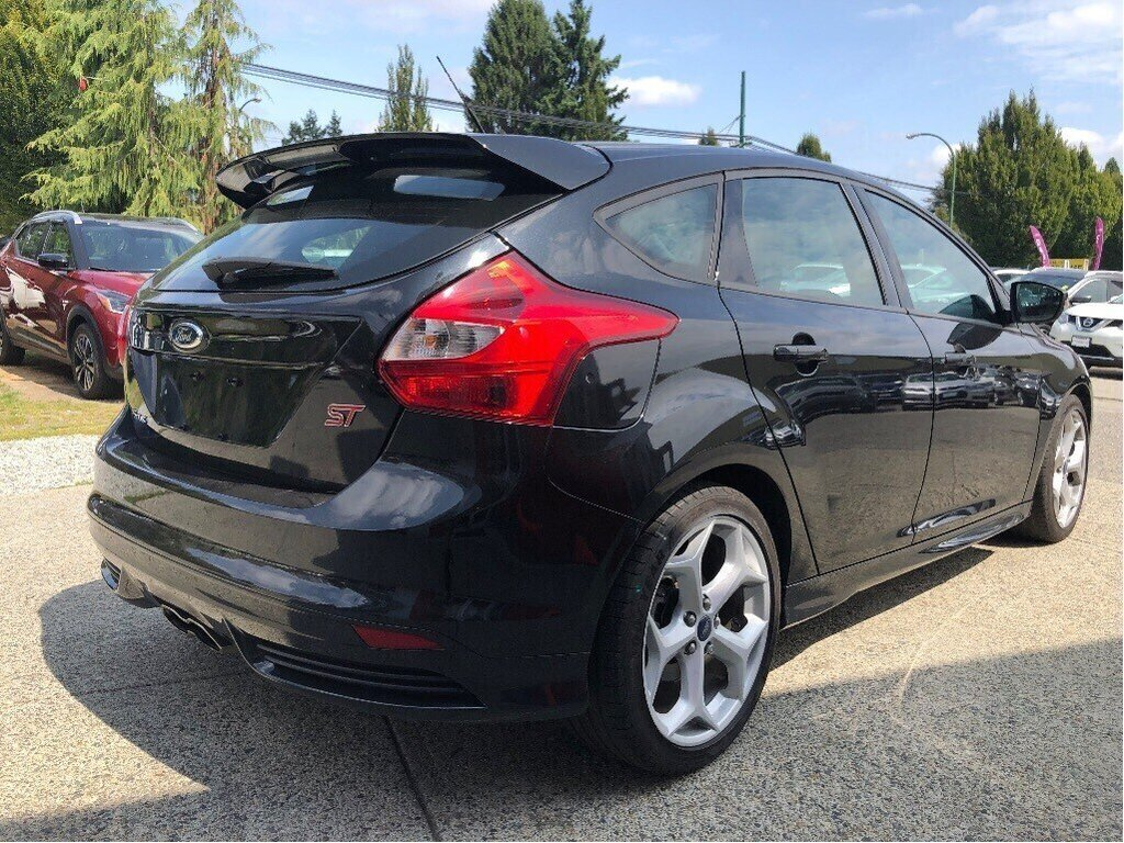 2013 Ford Focus ST Hatch in Vancouver, British Columbia - 5 - w1024h768px