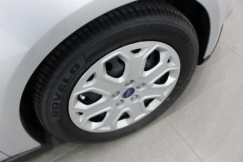 2013 Ford Focus SE 4D Sedan in Regina, Saskatchewan - 15 - w1024h768px